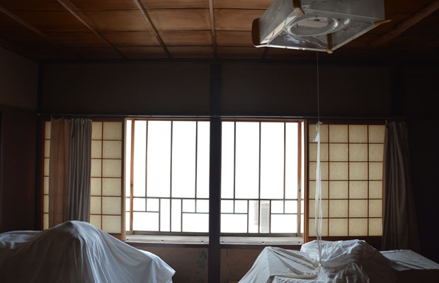 表通りに面した部屋は、10月の曳山祭りの特等席。