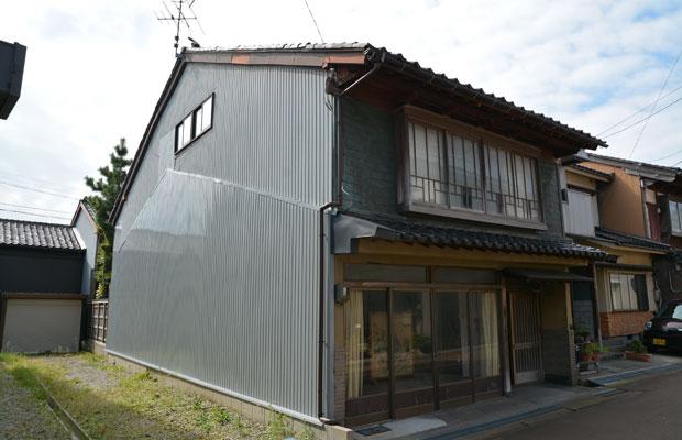 かつて、かまぼこ屋を営んでいたお宅が空き家に。