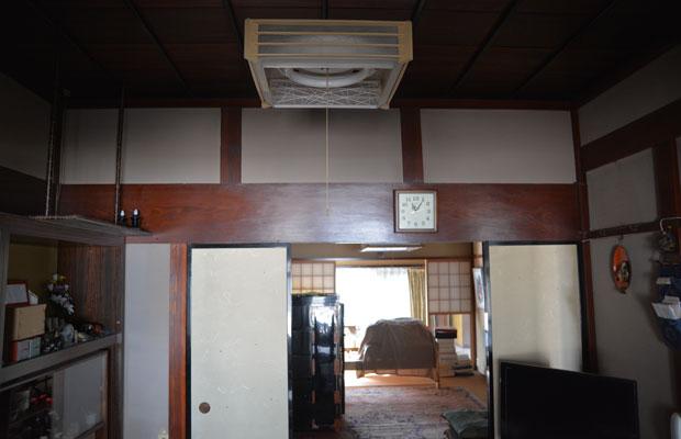 もともと吹き抜けだった部屋を、リフォームによって天井でふさいでいる。