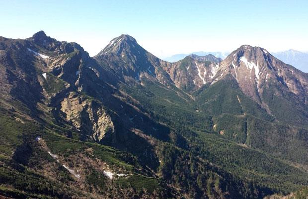 田子さんのお気に入りの風景のひとつ。開山祭を迎える6月の八ヶ岳。(写真提供:田子直美)
