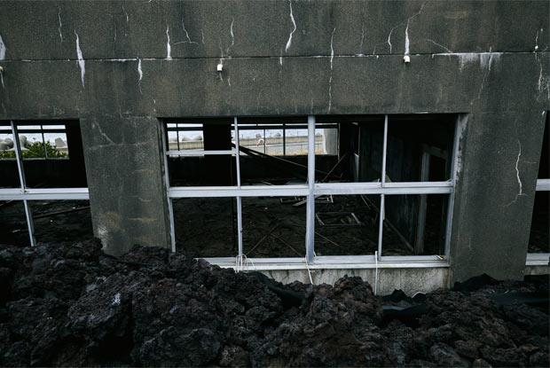 校舎の2階部分を見下ろす