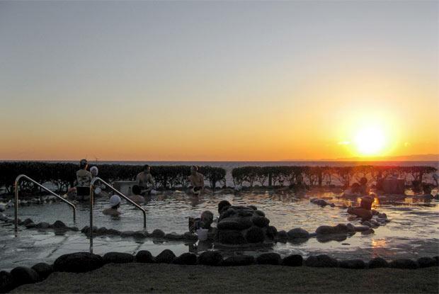 夕日を見ながらの湯あみ
