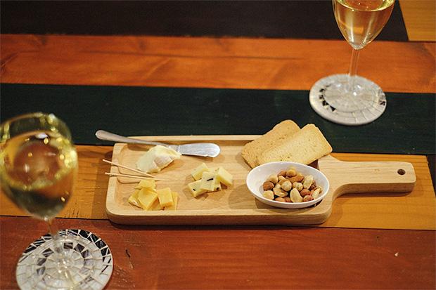 オランダ産のチーズやワインなどを楽しめる
