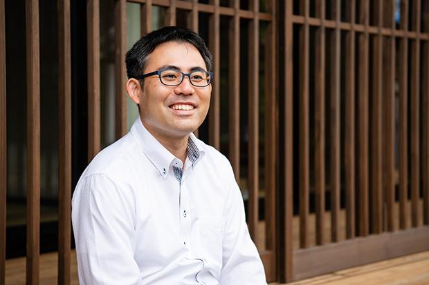〈株式会社イーハトーブ東北〉の代表、松本数馬さん。