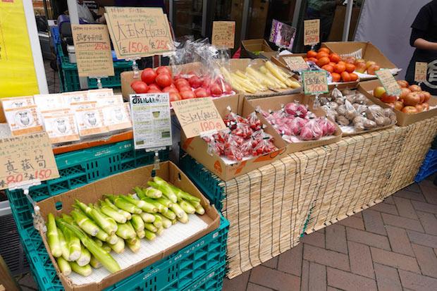 過去に開催された〈新虎マルシェ〉の様子。日本各地の食材や地域ならではの加工食品などを提供。