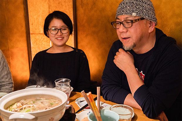 河北さんが「この子の映画好きは本物ですよ」という上妻さん。「コリン・ファースという俳優が好きすぎて、作品が台湾で先行公開されるというので待ちきれずに、それだけのために行ってきました(笑)」そのお土産話を聞きながら飲むのも河北さんの楽しみ。