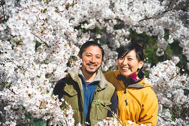 シェアメイトに夫婦の記念写真を撮ってもらいました。普段ツーショットが少ないのでうれしい!