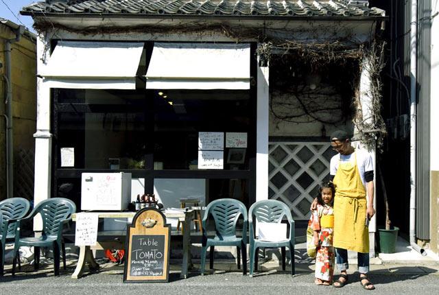 「黒船祭り」営業のときにお店の外で娘と撮影