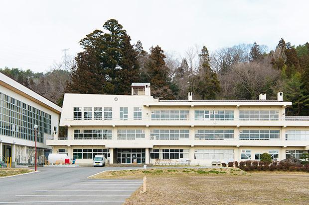 本社が置かれている旧校舎。