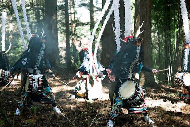 ▲当日、参加者だけに特別に披露される〈鹿踊〉。