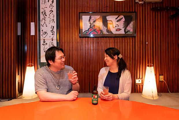 〈古川(こがわ)家〉のご夫妻、勝也さんと恵里さん