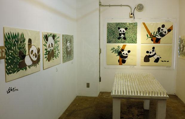新作とともに『ぱんだちゃん』や『さるがいっぴき』など絵本の原画も多数展示された。