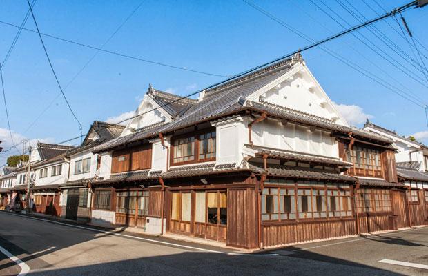 歴史的なまち並みが残る「八女福島地区」。普段は観光客をほとんど見かけず、時間がゆっくりと流れています。