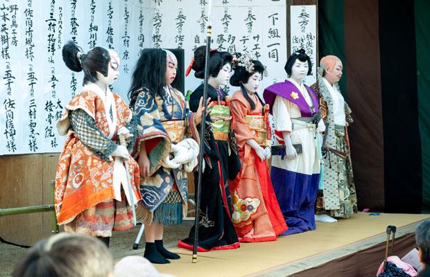 今年の子ども歌舞伎は小学4年生から6年生の6人が演じました。