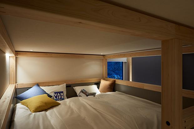 客室はロフトベッドのある「YAGURA Room」と「Twin Room」が中心。