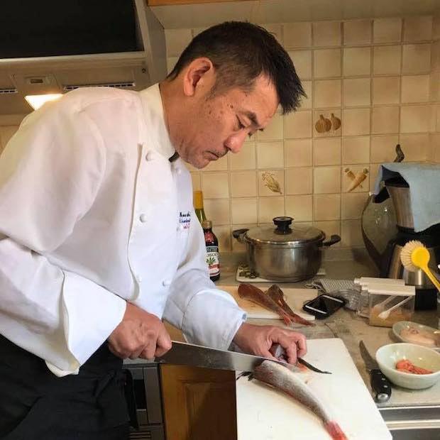 國光博敏さん。オテルドゥミクニで修業し数々のお店で研鑽を積む。「身体はすべて食べたものから出来ている」として真摯に調理を行う。三浦市の小網代で定期的にイベントを開催。
