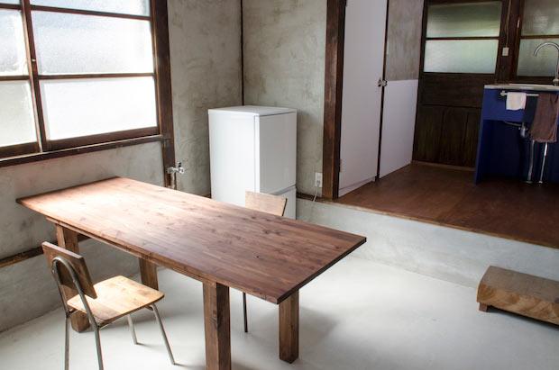 岡山市〈とりいくぐる別館〉オープン。 光あふれるミニマルな宿で非日常を味わう