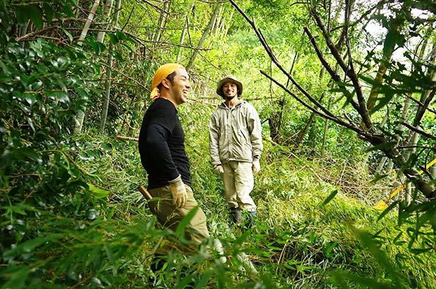 オーナーさんと、竹を刈りに山へ。