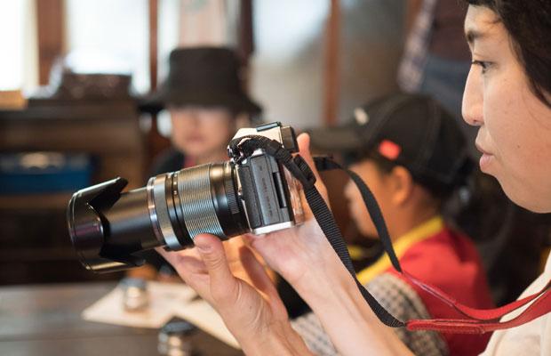カメラの使い方講座からスタート。