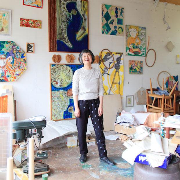 福岡県八女市在住の美術家の方も、もんぺを愛用。十字模様がお気に入り。