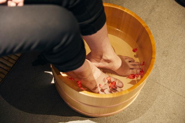 待合室の足湯