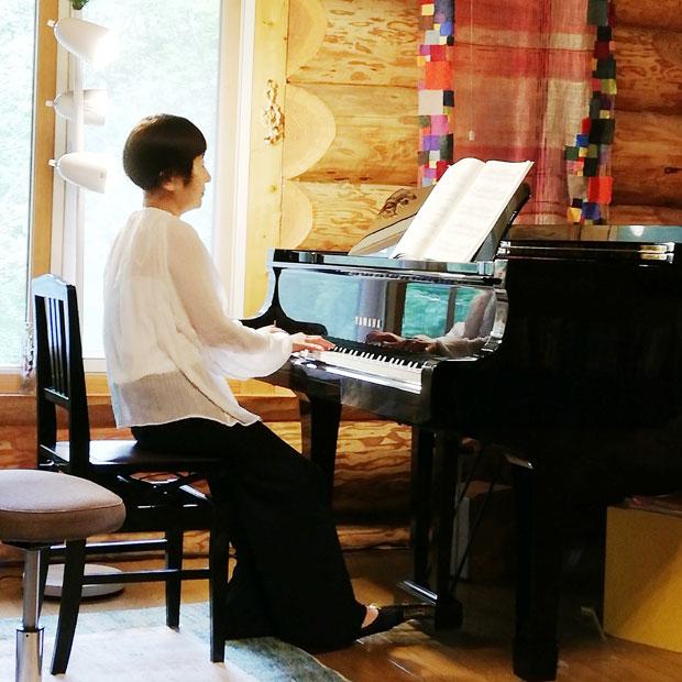 美流渡の森の山荘では、7月7日に「美流渡の森 2019夏 サロンコンサート」も行われた。ピアノ、バイオリン、声楽など音楽家が集まり、アットホームなコンサートが開催された。