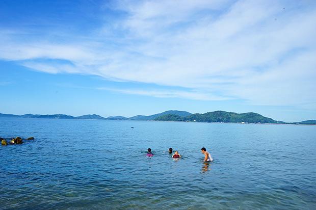 糸島の真っ青な海