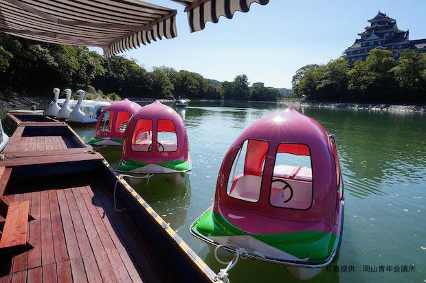 岡山〈桃ボート〉に  〈蛇口から出る桃ジュース〉。  おひとり様が桃太郎気分を満喫する方法