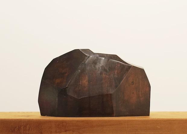 小林且典『山の標本』2019 26×16×9cm ブロンズ