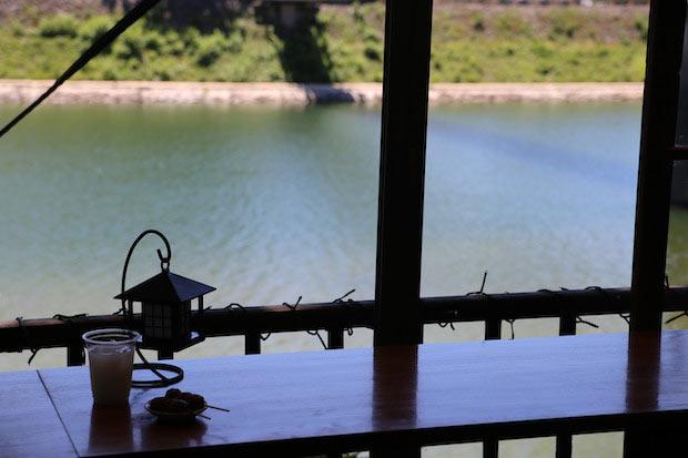 〈碧水園〉から見える水面