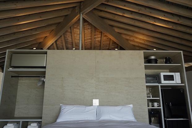 客室から見た屋根構造