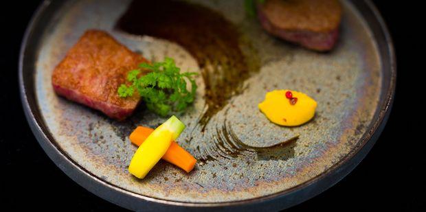 〈囲炉裏キュイジーヌ LOOP〉の料理