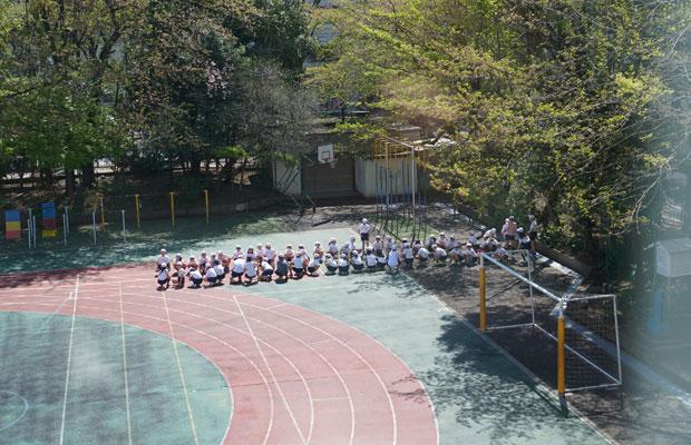 体育の授業では運動会の練習をしていた。