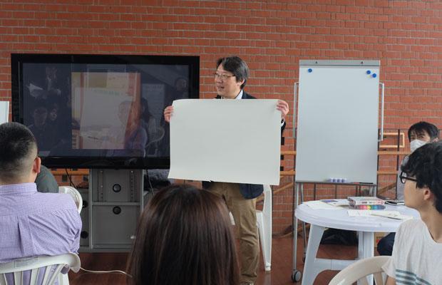 セミナーで話をする宇田川耕一先生(中央)。