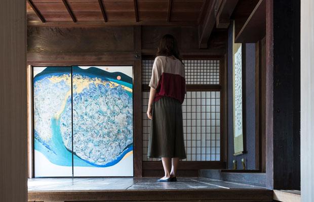 ドマギャラリーからザシキギャラリーを見る。(撮影:松村康平)