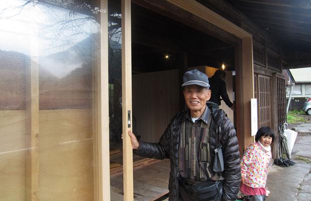 建具職人、高見優さんも息子さん夫婦、お孫さんを連れて来訪してくださりました。