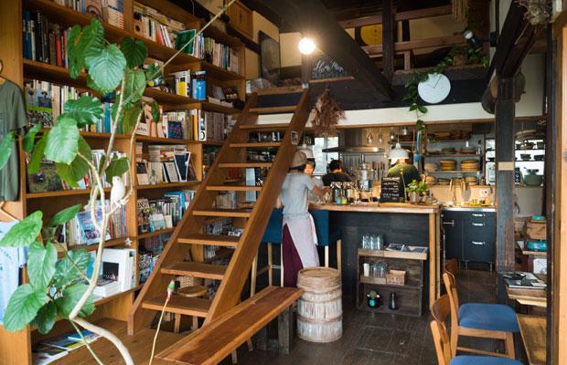 この夏はカフェの営業日を増やして、火~土曜の週5日オープンしてます。