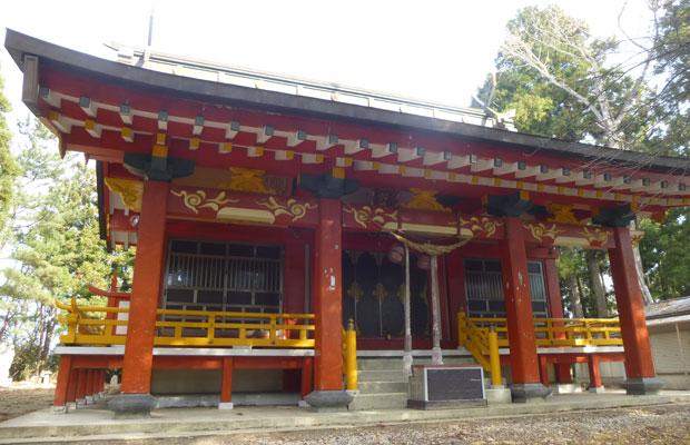 信夫山の頂上にある羽黒神社。ここに大わらじが奉納される。