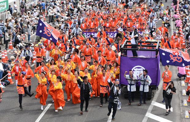 東北六魂祭が現在は〈東北絆祭り〉となり、今年は6月1日、2日に福島市で開催された。
