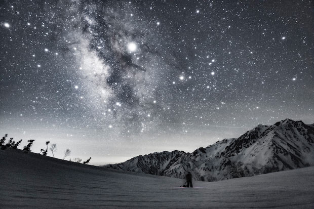 モノクロ写真の星空