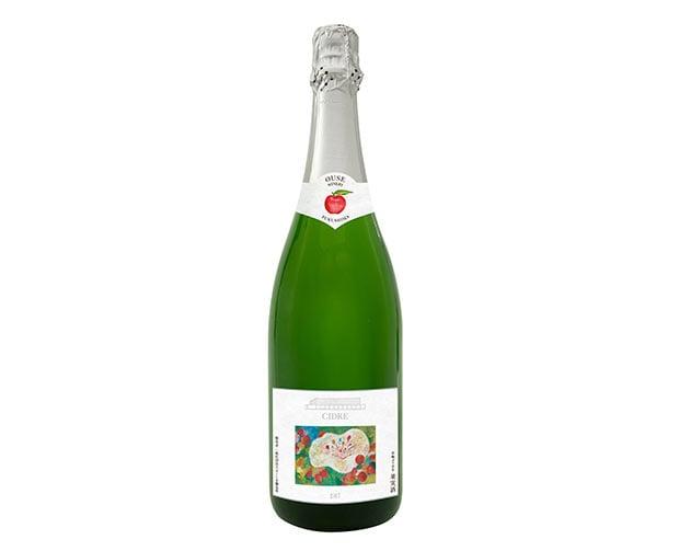 〈ふくしま逢瀬ワイナリー〉のシードル(福島県郡山市)。福島県産の林檎「ふじ」を100%使って醸造。全国林檎コンクールで金賞受賞歴のある農家の林檎を使用しています。
