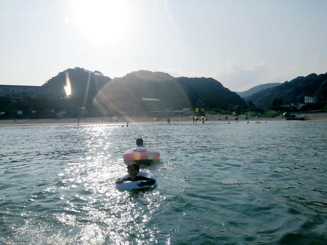 下田で海水浴