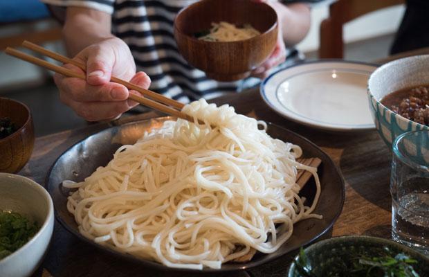 細麺に比べて太麺は食べ応えがあります。でもつるっとした食感なのでどんどん食べられる!