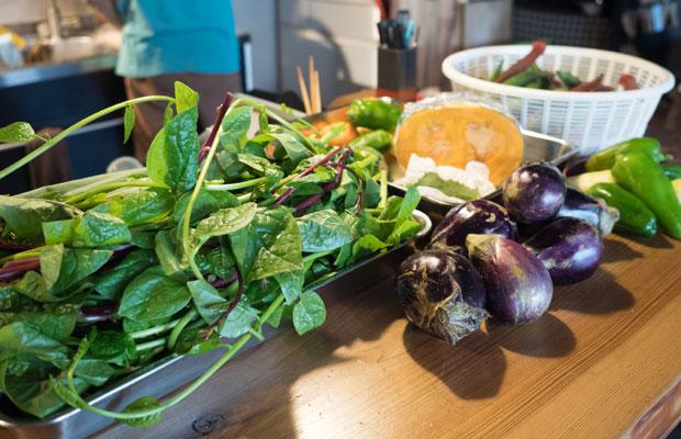 まかないで使う野菜たち。