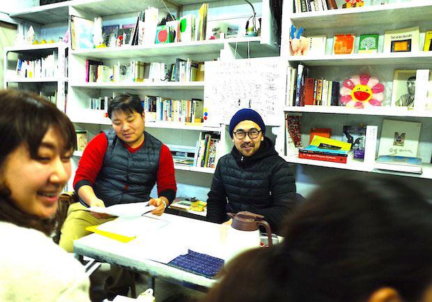 アパレルブランド〈オールユアーズ〉代表、木村まさしさんの授業。クラウドファンディングに挑戦し、アパレルブランドのカテゴリでは国内最高額の支援を調達していることから、クラウドファンディングについて教わります。
