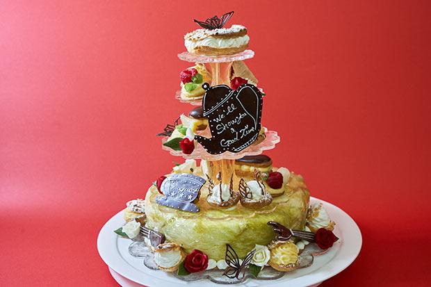 飯塚高校のケーキ、作品名は「show someone a good time」。