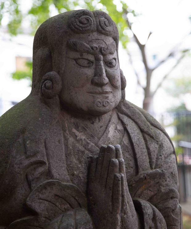 鬼子母神さんに祈ってから臨みましたが、ガチガチに緊張しました……。(写真:鈴木竜一朗)