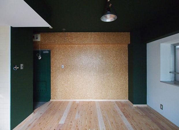 福岡市マンションリノベの一室。こちらも床板が八女杉。