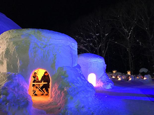 住民の手による「湯西川温泉かまくら祭」(栃木県日光市)は、2019年も多くの観光客を楽しませた(1月下旬〜3月上旬開催)。