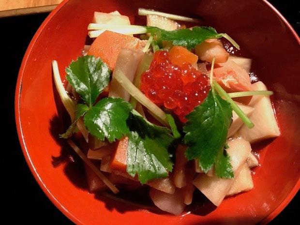 貝柱の出汁で冬野菜を煮込んだ新潟の郷土料理〈のっぺ〉